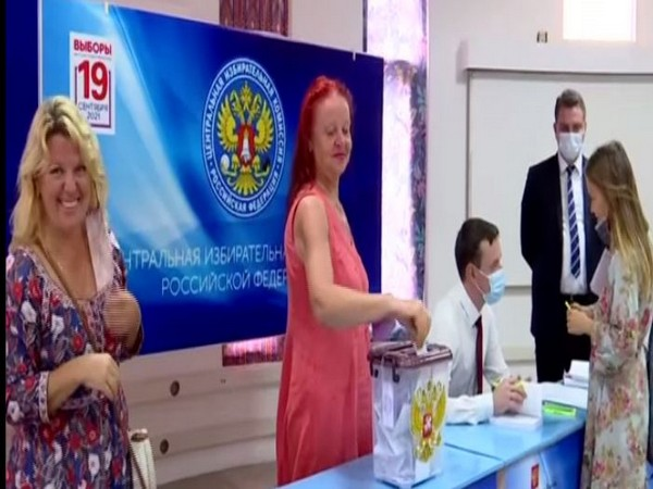 Russians living in Kerala cast votes for elections of deputies to the State Duma of the Federal Assembly
