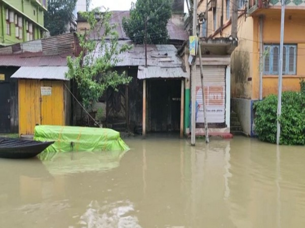 Visuals of flood in Ghatal (Photo/ANI)