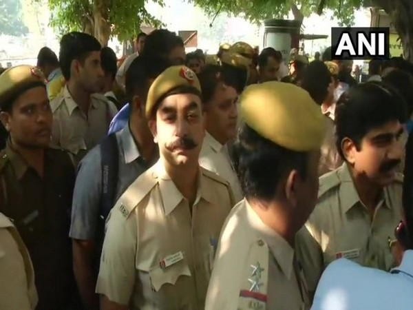 Police personnel protesting outside the Police Head Quarters (PHQ) on Tuesday (Photo/ANI)