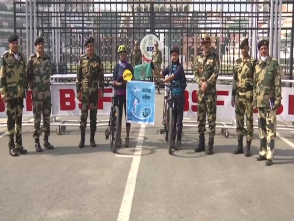 Two women commence their cycling expedition from Wagah border to Arunachal Pradesh (Photo/ANI)