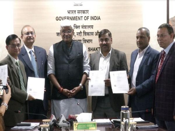 Union Minister of Jal Shakti, Gajenendra Singh Shekhawat along with other officials