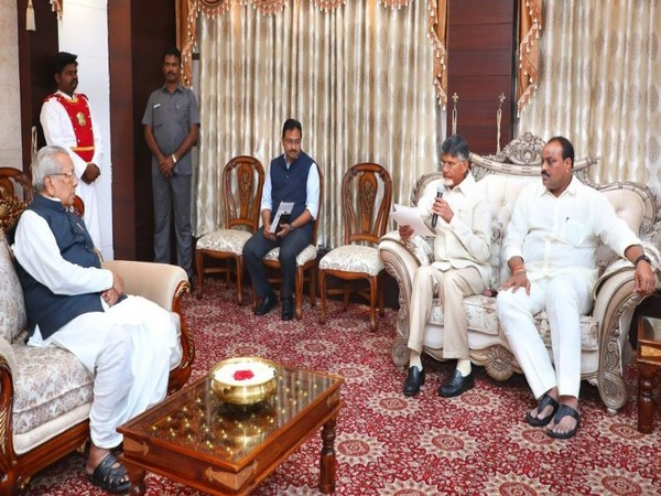 Telugu Desam Party (TDP) delegation led by party chief N Chandrababu Naidu met Governor Biswabhusan Harichandan in Vijayawada on Friday (Photo/ANI)