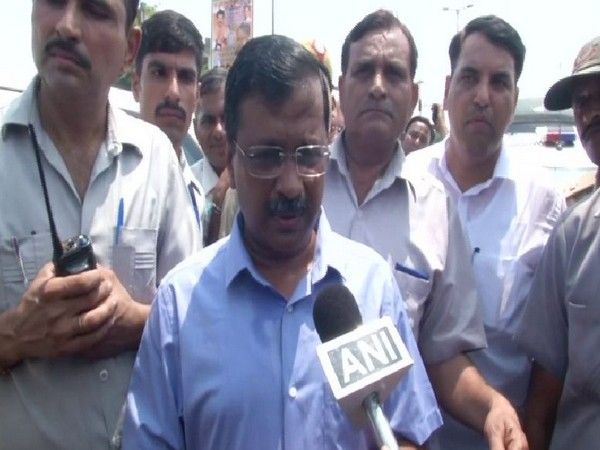 Chief Minister Arvind Kejriwal in flood relief camps in Usman Puri Khadar on Wednesday (Photo/ANI)