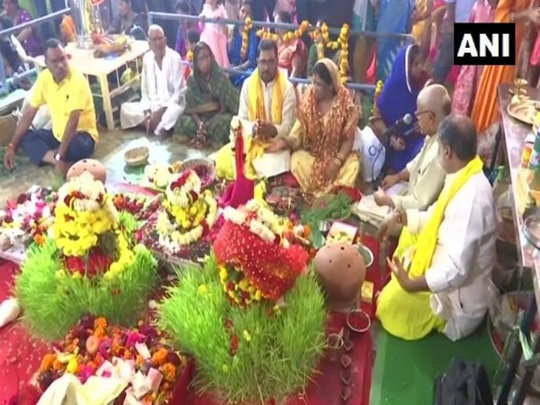 People from Bihar organised special prayers for the well-being of those affected in the recent floods, at a Durga Puja pandal in Bengaluru. (Photo/ANI)