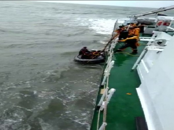 5 fishermen were rescued by Indian Coast Guard on Friday. Photo/ANI
