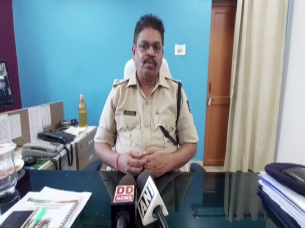 Ashwin Mohanty, Superintendent of Police (SP), Jharsuguda speaking to reporters on Thursday. Photo/ANI