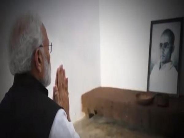 Prime Minister-elect Narendra Modi pays tributes Veer Savarkar [Picture Courtesy: Twitter]