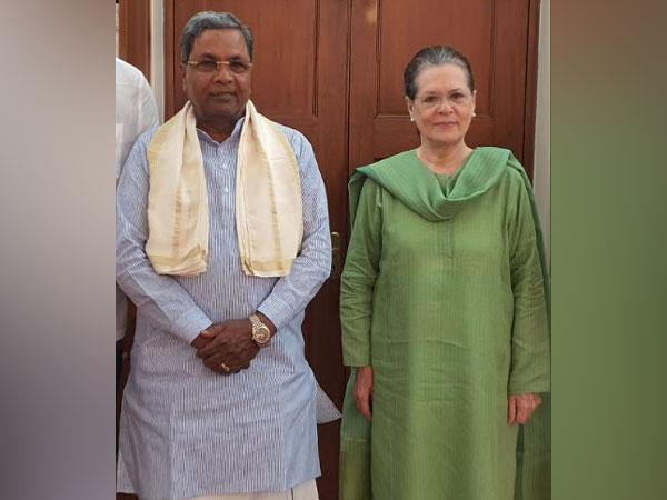 Former Karnataka chief minister Siddaramaiah met Congress president Sonia Gandhi in New Delhi on Wednesday. Photo/ANI
