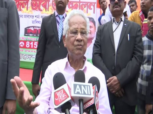 Former Assam Chief Minister Tarun Gogoi speaking to the media on Saturday.