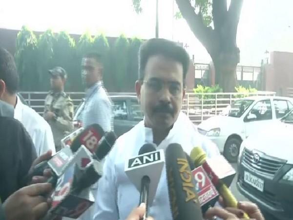 Congress leader Rajeev Satav speaking to reporters in New Delhi on Saturday. Photo/ANI