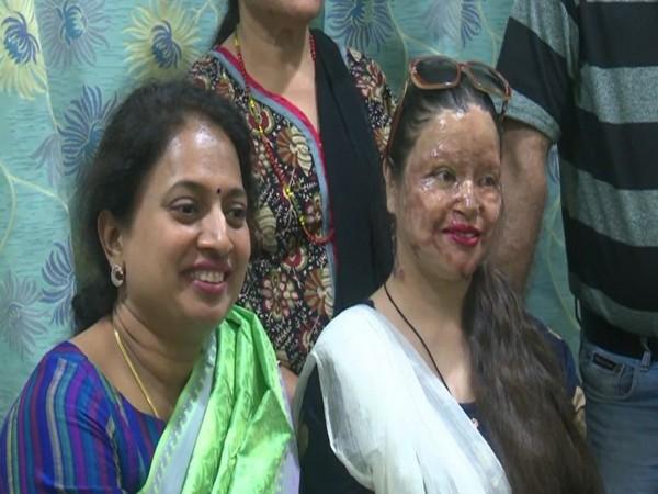 Dr Hema Sathish (left) with Binda Basini Kansakar (right) (Photo/ANI)