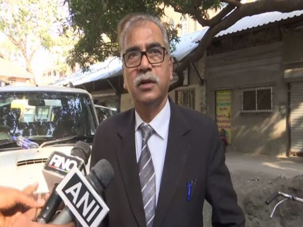 Tariq Parveen's lawyer Quresh Aftab while speaking to reporters in Mumbai on Monday (Photo/ANI)