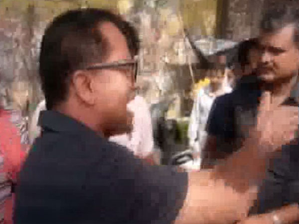 Verbal spat between MLA Premchand Agarwal and Chairman of Sugarcane Development Councils in Rishikesh on Thursday. Photo/ANI