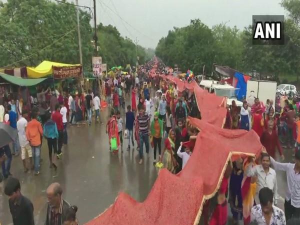 A view of 'Chunri Yatra' in Indore, Madhya Pradesh, on Sunday. Photo/ANI