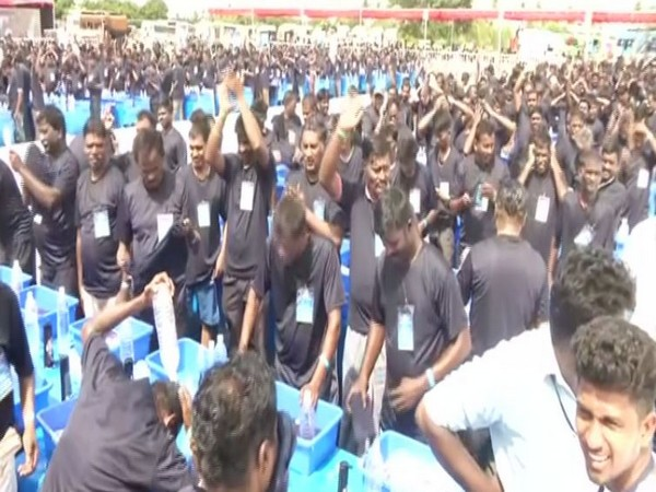 People attempting Guinness World Records in Chennai. Photo/ANI