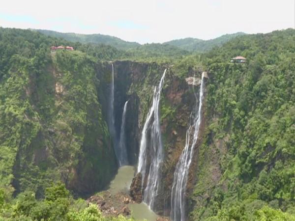 Visuals of Jog waterfall