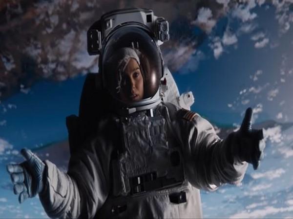 Natalie Portman in 'Lucy in the Sky' trailer