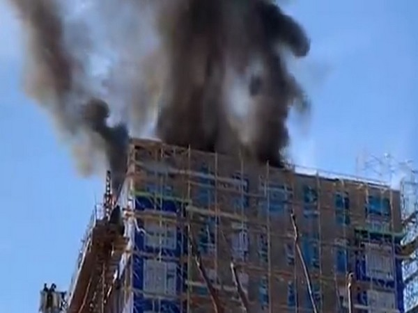 Visuals of the fire in building near US Capitol (Source: Twitter/DC Fire and EMS)
