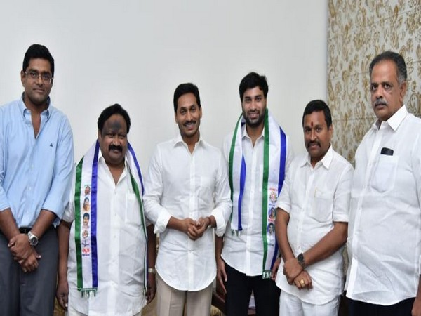 TDP youth wing 'Telugu Yuvata' president Devineni Avinash joins YSRCP in presence of Chief Minister YS Jaganmohan Reddy (Photo/ANI)