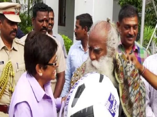 Lieutenant Governor Kiran Bedi felicitated spiritual Guru Jaggi Vasudev on Sunday in Puducherry. Photo/ANI