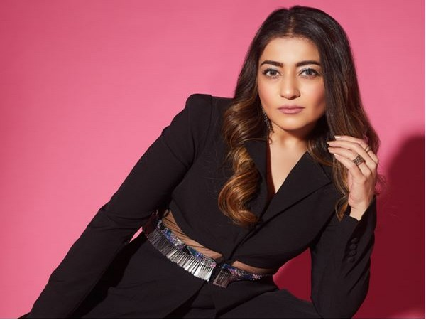 Anaysa by Simran launches its online operation for the Designer Collection of Trendy Clothing and Accessories