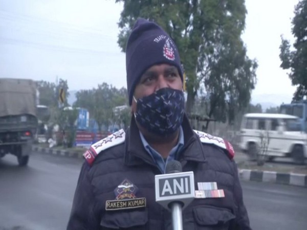 Jammu and Kashmir Traffic Police Official (Photo/ANI)