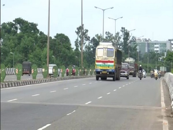 The increase in fines under the Motor Vehicle Act has led to fewer vehicles plying on the roads in Bhubaneswar. Photo/ANI