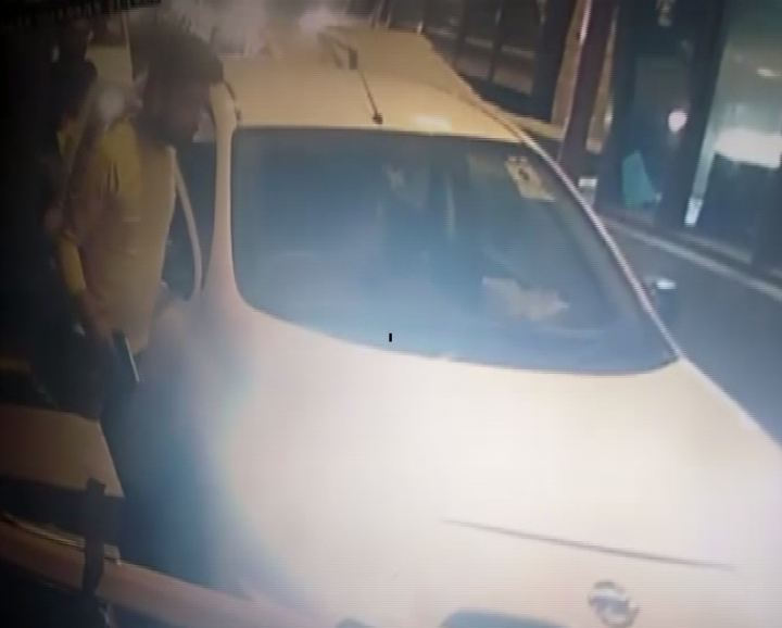 The incident took place on Kherki Daula toll plaza at around 9:30 pm (Source: ANI)