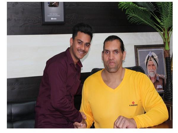 Sushil Tiwari Hindustani with wrestler The Great Khali