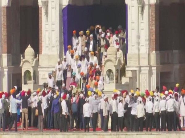 Heads of foreign missions in Delhi, visited Golden Temple in Amritsar, to take part in celebrations related to the 550th birth anniversary of Guru Nanak Dev ji