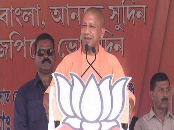 Uttar Pradesh Chief Minister Yogi Adityanath addresses a rally in Barasat, West Bengal on Wednesday. [Photo/ANI]