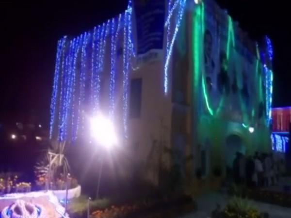 Gurdwara Janamasthan Nankana Sahib was built at the place where the Sikh guru was born.