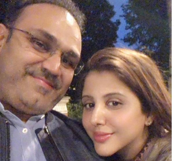 Virender Sehwag and wife Aarti. Photo courtesy: Aarti's Instagram