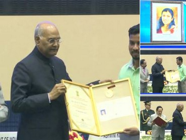 President Ram Nath Kovind handed over the award to Lini PN's husband Sajeesh P. (Photo/ANI)