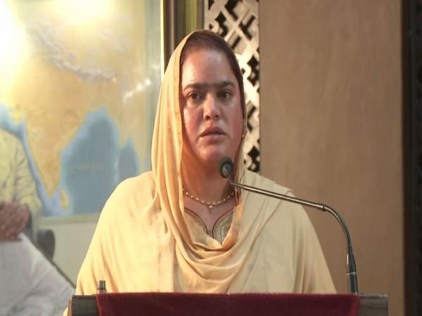 Kashmiri Ashok Chakra Awardee, Lance Naik Nazir Ahmed Wani's wife Mehjbeen Akhtar. (Photo/ANI)