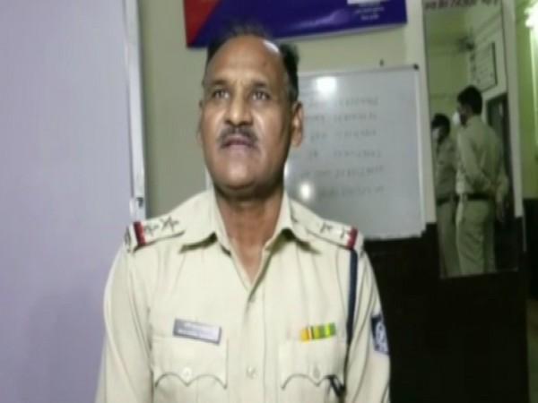 Devi Dayal Baghel, Sub Inspector, Tukoganj PS, Indore speaking to ANI