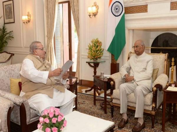 J-K Governor Satya Pal Malik meets President Ram Nath Kovind on Tuesday. Photo/ANI