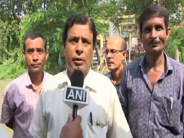 Vipul Gandhiya, Inland water transport, Section Officer, Guwahati Ferry Service talked to ANI about Brahmaputra water level, on Wednesday (Photo/ANI)