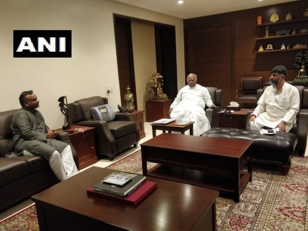 Congress leader Mallikarjun Kharge, his son Priyank Kharge met DK Shivakumar in Bengaluru on Sunday. Photo/ANI