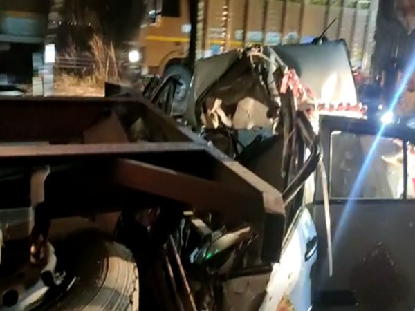 Visuals from the scene of accident on Pune-Mumbai Express Highway (Photo/ANI)