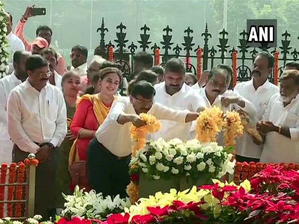 Shiv Sena leader Sanjay Raut paid tribute to Balasaheb Thackeray on his seventh death anniversary in Mumbai today. Photo/ANI