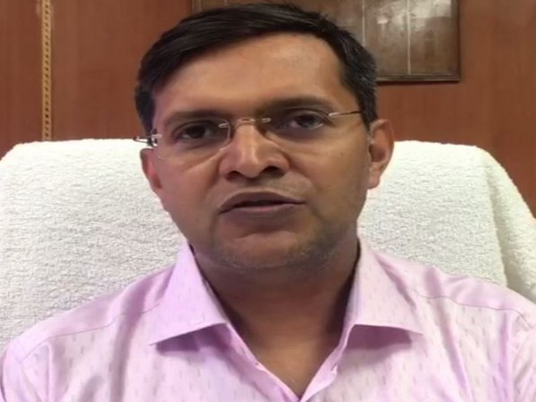 Chief Public Relations Officer (CPRO) of East-Central Railways Rajesh Kumar speaking to reporters on Tuesday. Photo/ANI