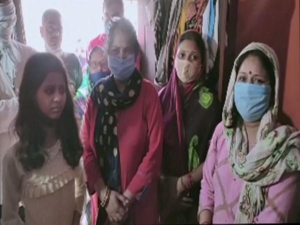Family memebers of Sulabh Srivastava (Photo/ANI)