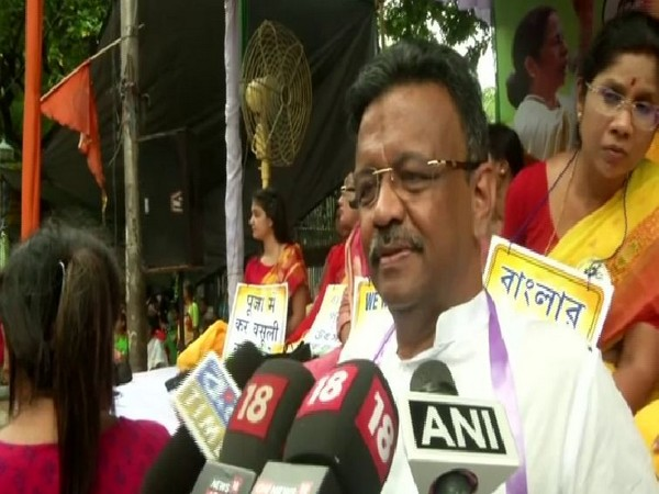 Kolkata Mayor Firhad Hakim while addressing the reporters during the protest staged on Tuesday in Kolkata. (Photo/ANI)