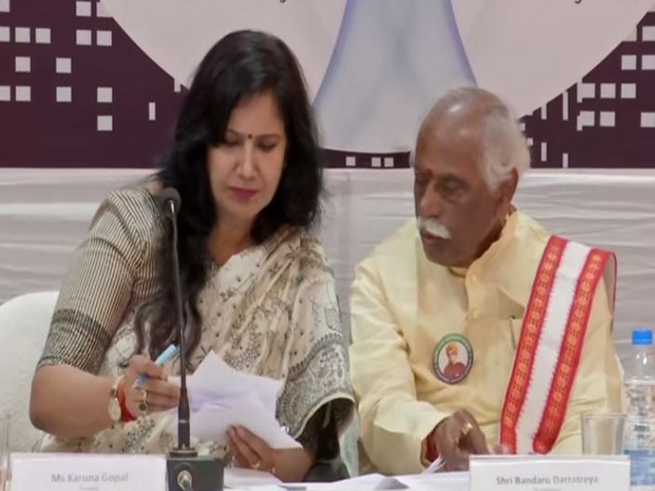 Karuna Gopal, president of Foundation for Futuristic Cities and Bandaru Dattatreya, Himachal Pradesh Governor, during an event in Hyderabad on Sunday. Photo/ANI
