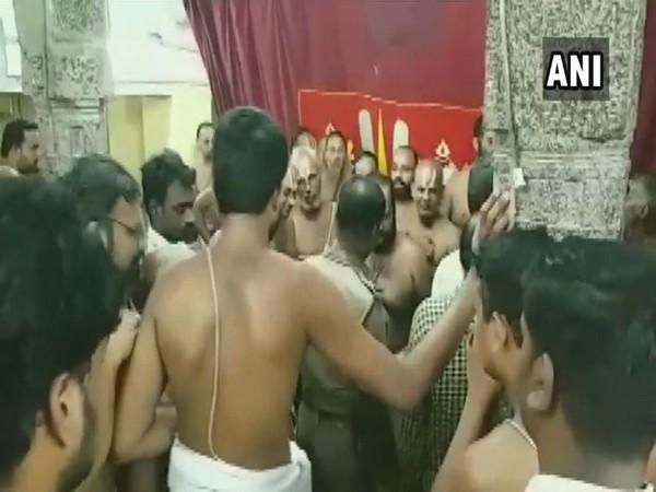 Police intervened as a clash broke out at Varadharaja Perumal Temple (Photo/ANI)