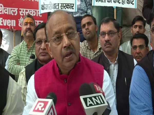 BJP leader Vijay Goel speaking to reporters on Sunday in New Delhi. Photo/ANI