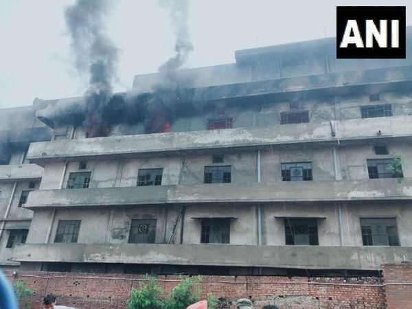 Massive fire broke out in Trimurti Hosiery Mills in Ludhiana's Sunder Nagar on Wednesday. (Photo/ANI)