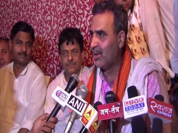 BJP's Sanjeev Kumar Balyan speaks to media in Muzaffarnagar on Thursday. [Photo/ANI]