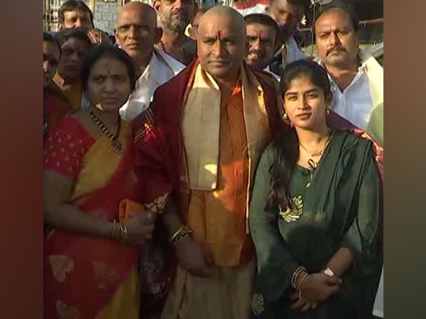 V Srinivas visits Tirupati Balaji temple along with family members